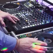 Trouw DJ in Actie
