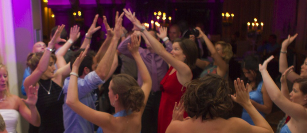 Huwelijksfeest of Bedrijfsfeest. DJ Fred zorgt voor memorabele momenten.